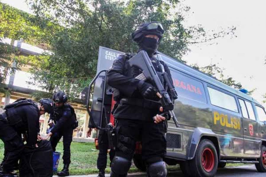 Densus 88 Polri Tangkap Eks Petinggi FPI Munarman di Tangerang Selatan
